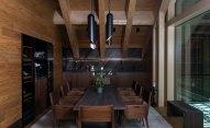 Gath has soaring ceilings, swathes of glass and dark-honey-hued wood...