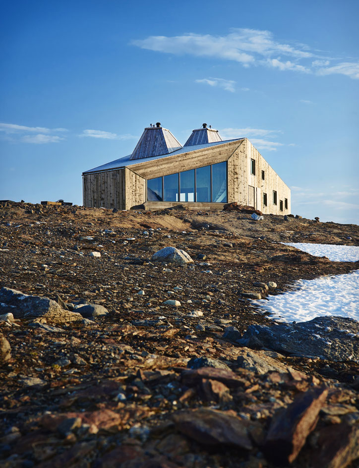 The cabin, named after French glaciologist and traveller Charles Rabot - the first to map out the region in the 17th century - was designed by Oslo-based architecture practice Jarmund/Vigsnæs Arkitekter (JVA).