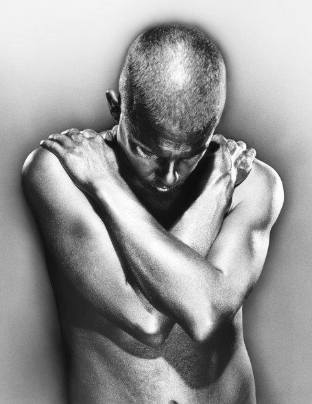 Alexander McQueen 'Nude' by Vincent Peters (2002)