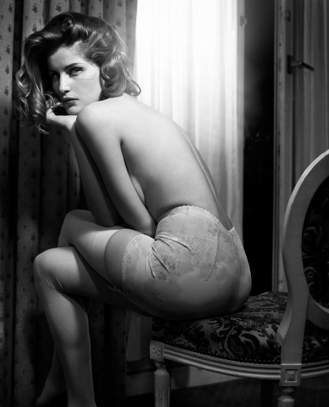 Laetitia Costa in Hotel Apollo Paris by Vincent Peters (2008)
