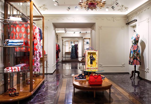 Dolce & Gabbana Boutique: Tretyakovsky Proezd, Moscow, Russia (October, 2015)