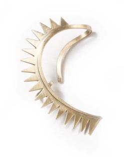 Carnivorous ear in gold