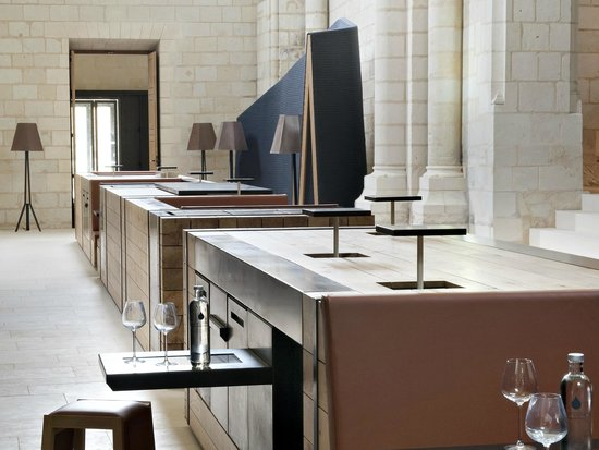 High-tech iBar at the Fontevraud Hotel