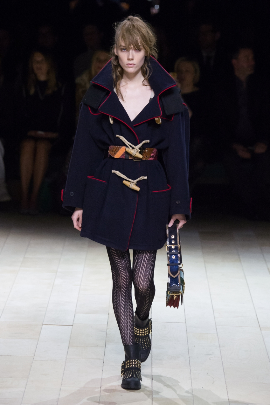 Burberry, pixelformula, womenswear, winter 2016 - 2017, London