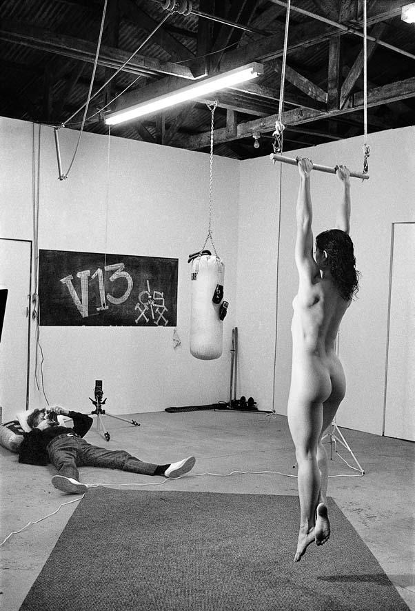 2_Alice Springs_Helmut Newton with Lisa Lyon_Venice_California 1981_ copyright Alice Springs