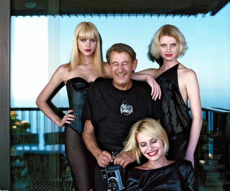 4_Helmut Newton with models_Monte Carlo_1997_copyright Alice Springs