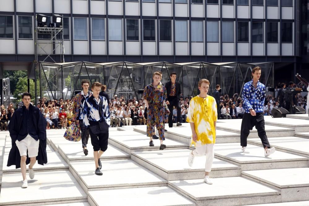 Issey Miyake Men : Runway - Paris Fashion Week - Menswear Spring/Summer 2017