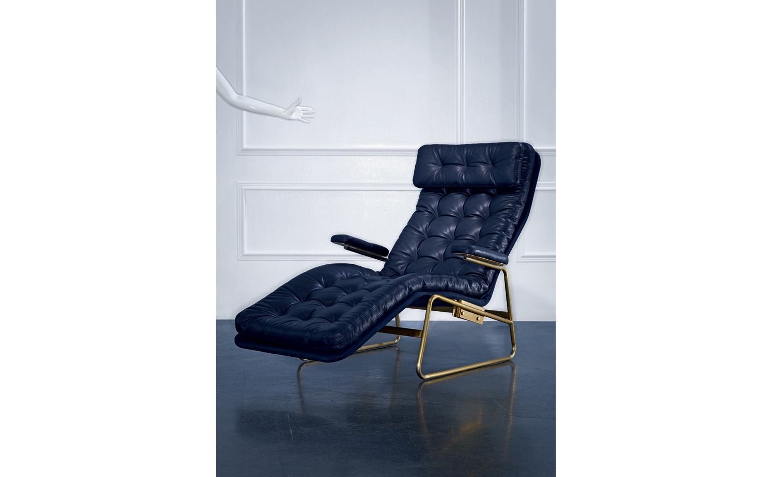 Deane tufted chaise. Photography François Dischinger