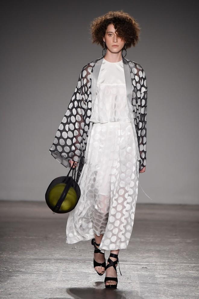 Atsushi Nakashima S/S 2017 Collection - Runway - Milan Fashion Week