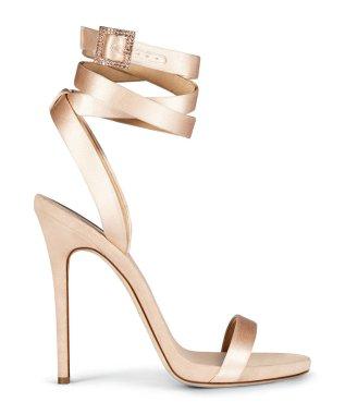 012317-jlo-giuseppe-shoe-6