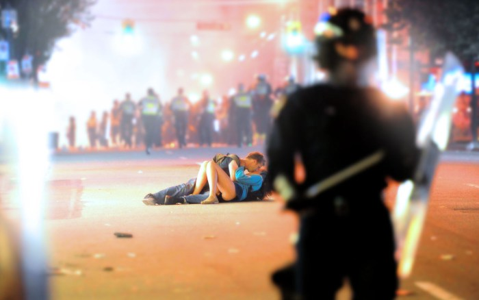 the-vancouver-riot-kissing-couple