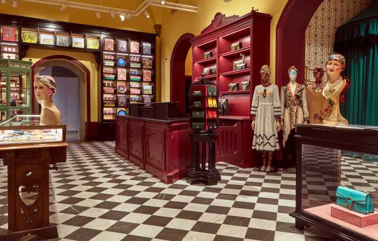 DiaryArticleDouble_GucciGarden-Boutique-09_001_Default
