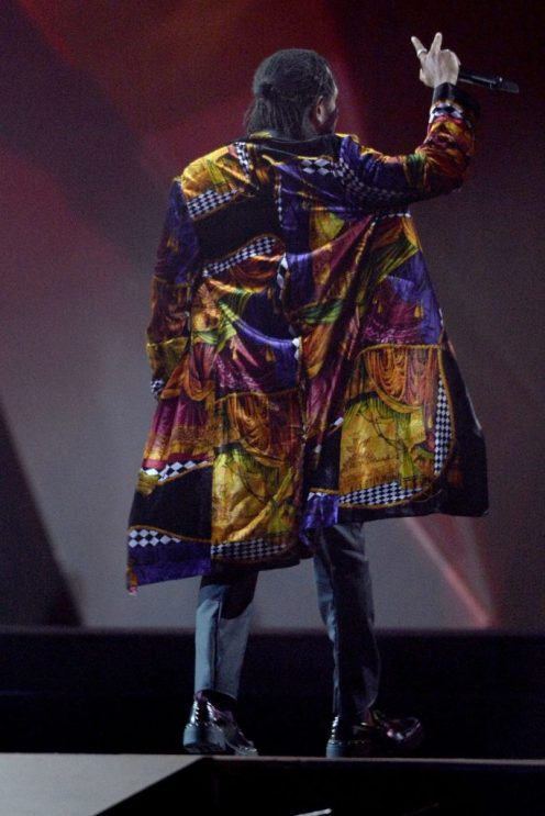 Kendrick Lamar on stage in Versace fall/ winter 2018-19 collection
