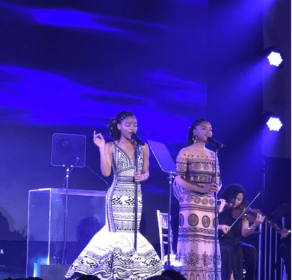 Chloe and Halle perform at the Wearable Art Gala in Los Angeles