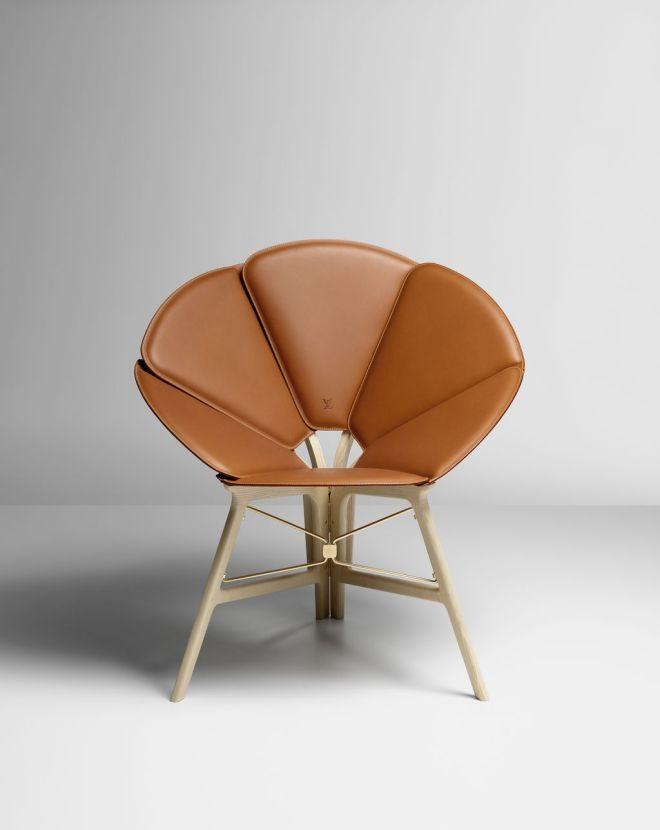 12_lifestyle_chair_raw-edges-1024w