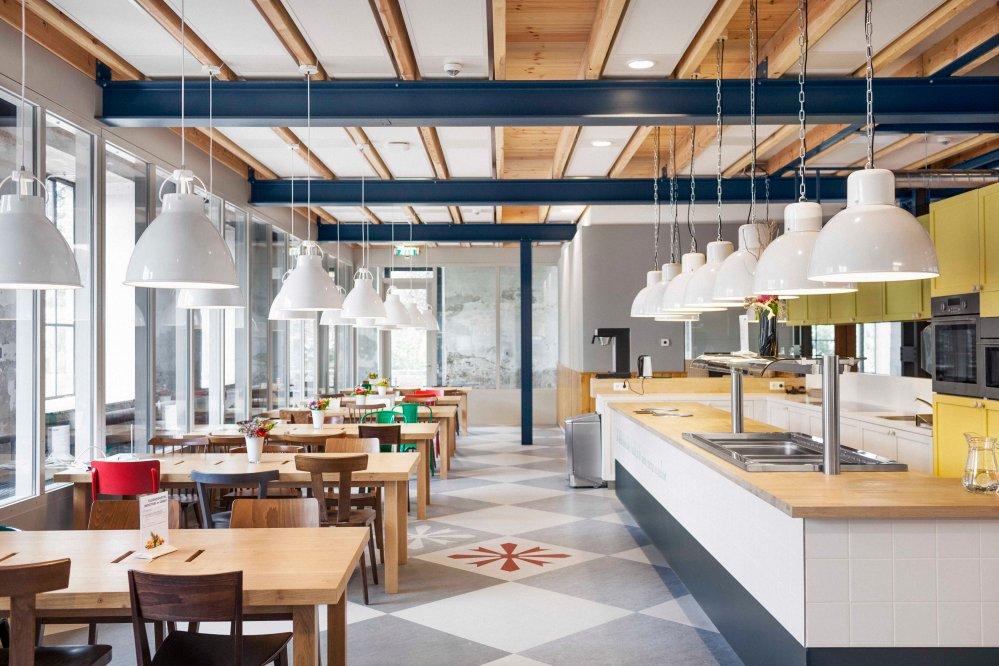creative-office-studiomfd-creative-office-canteen-office-design-headquartes