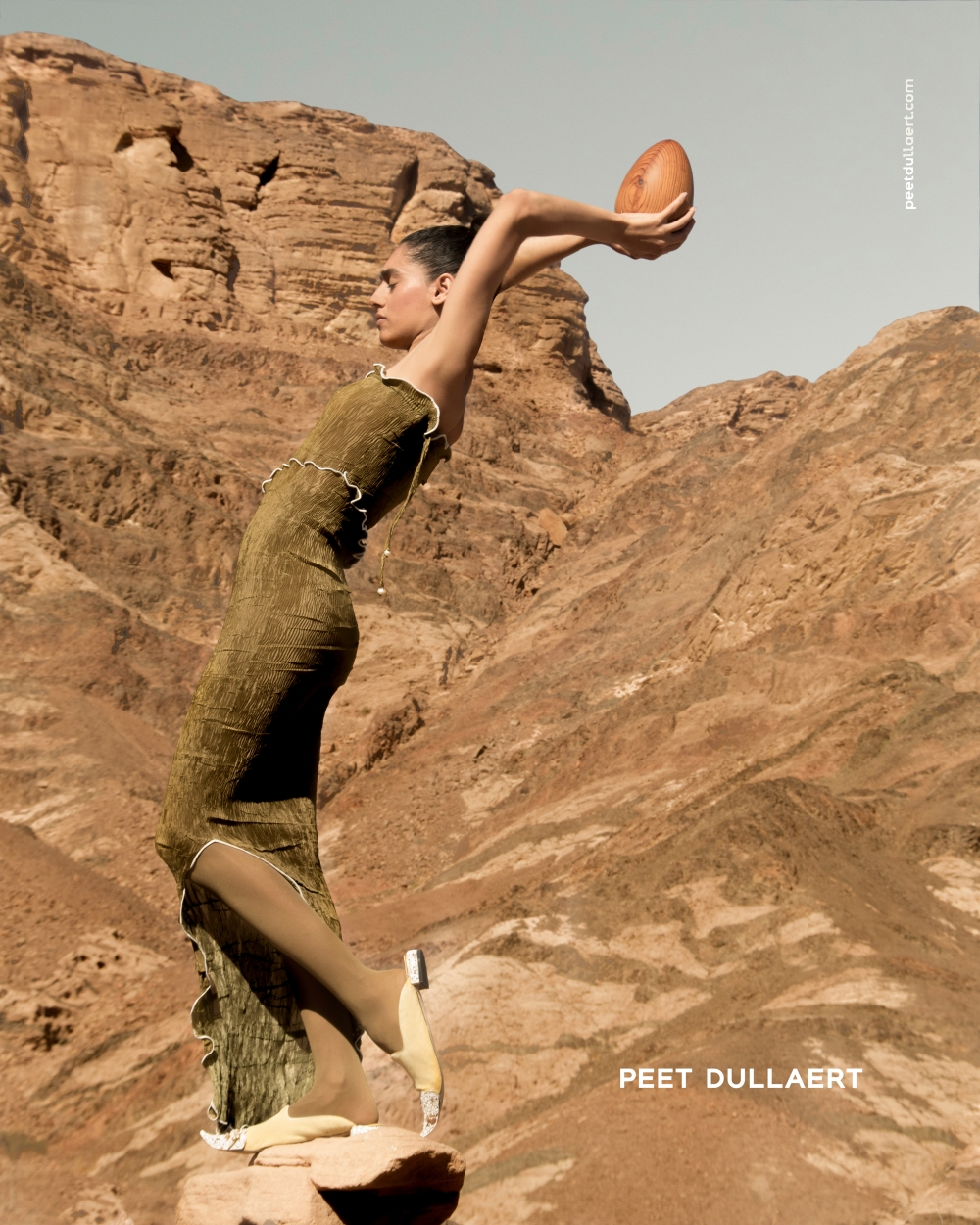 14 PEET DULLAERT 2017-2 Campaign - Photo Eva Pamfillie - Model Iman Eldeeb