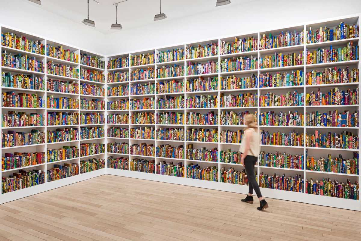 Yinka Shonibare's Installation 'American Library': 6000 Books Dedicated To Great Immigrants.