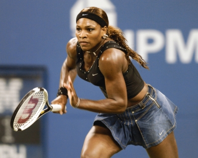 Serena Williams loses to Jennifer Capriati in the quarter finals of the women's singles September 7, 2004 at the 2004 US Open in New York. (Photo by A. Messerschmidt/Getty Images)
