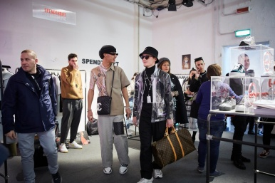 Editors in the 'Unconventional' section of the fiera: the sector dedicated towards brands with a street and sporty leaning aesthetic. (photo: AKAstudio-collective)