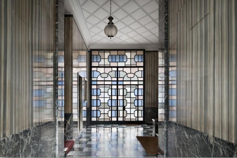 """""""Entryways of Milan"""", by the photographer Delfino Sisto Legnani. (photo: courtesy)"""