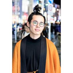 Street style: A student wearing the Ikko Tanaka x Issey Miyake collection. (photo: Tokyo Fashion, 2017)