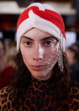 Model in Gucci turban. (photo: Gucci)