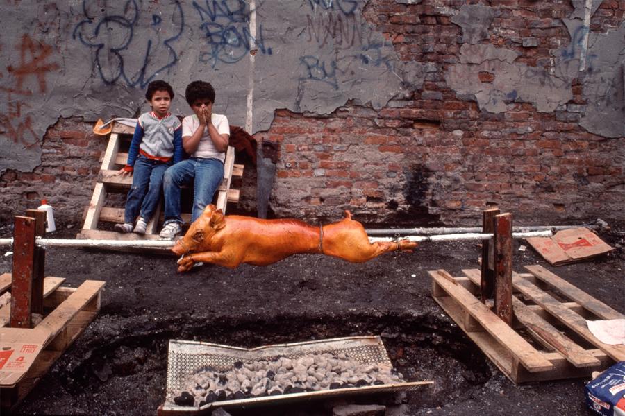 "New York photographer Arlene Gottfried, ""Summer Afternoon, Lower East Side, 1985"", copyright Arlene Gottfried. (photo: courtesy Galerie Bene Taschen)"