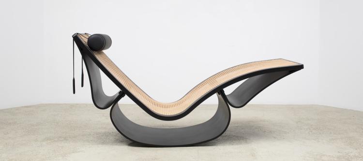 Rocking Chaise Lounge originally designed by Oscar Niemeyer (photo: Espasso)