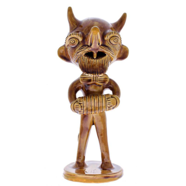 Ceramic figure by artist Rosa Ramalho (photo: courtesy)
